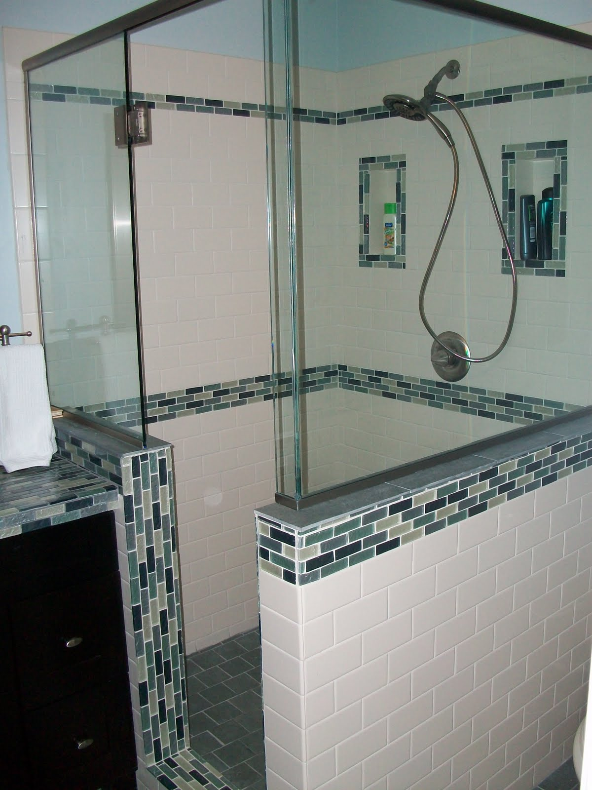 Southgate residential a small bathroom update for Small bathroom updates