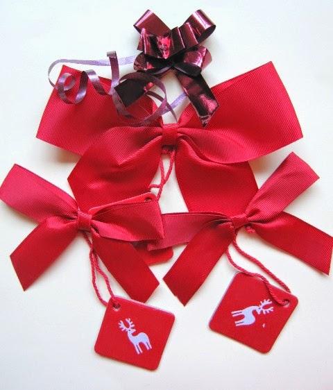 cintas, lazos y tarjetas de regalo o adornos para scrapbooking