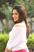 Adah Sharma glamorous photos-thumbnail-12