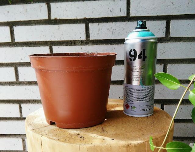 Decoraci n f cil reciclando macetas de pl stico - Pintura para plastico ...