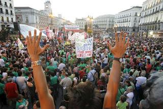 http://1.bp.blogspot.com/-ZQlOZjw7K3A/TqfQCID3lnI/AAAAAAAAAGw/u_yIO6QULaA/s1600/gran_marea_verde_inunda_centro%2B%25281%2529.jpg