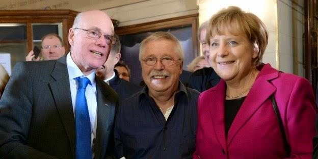 http://taz.de/Wolf-Biermann-im-Berliner-Ensemble/!149144/