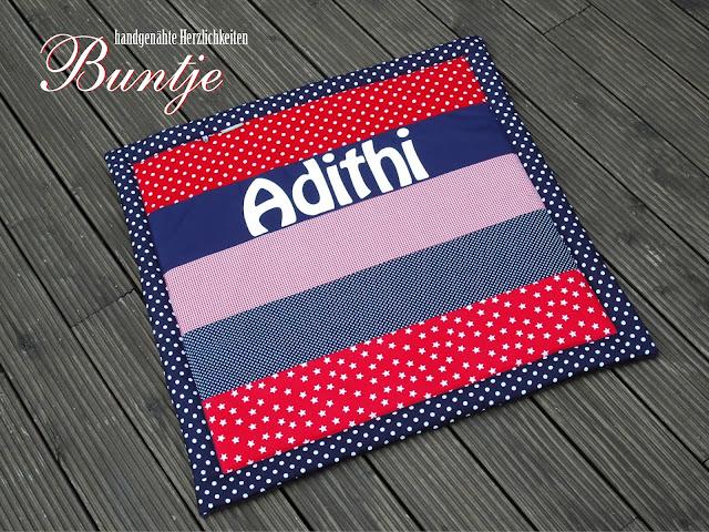 Krabbeldecke Decke Baby Kuscheldecke Name Geschenk Geburt Taufe Baumwolle Fleece nähen handmade Buntje personalisiert Mädchen Adithi indisch rot blau dunkelblau