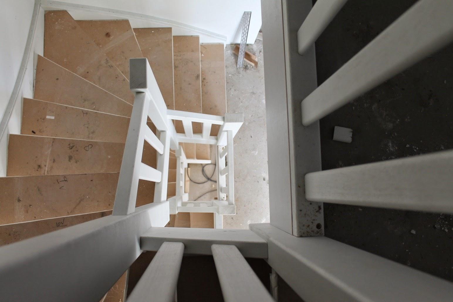 Helen marc olivia bouwen een huis de trappen staan er for Trap bouwen