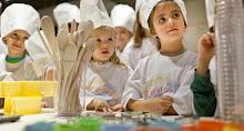 A lezione di cucina e di socialità..