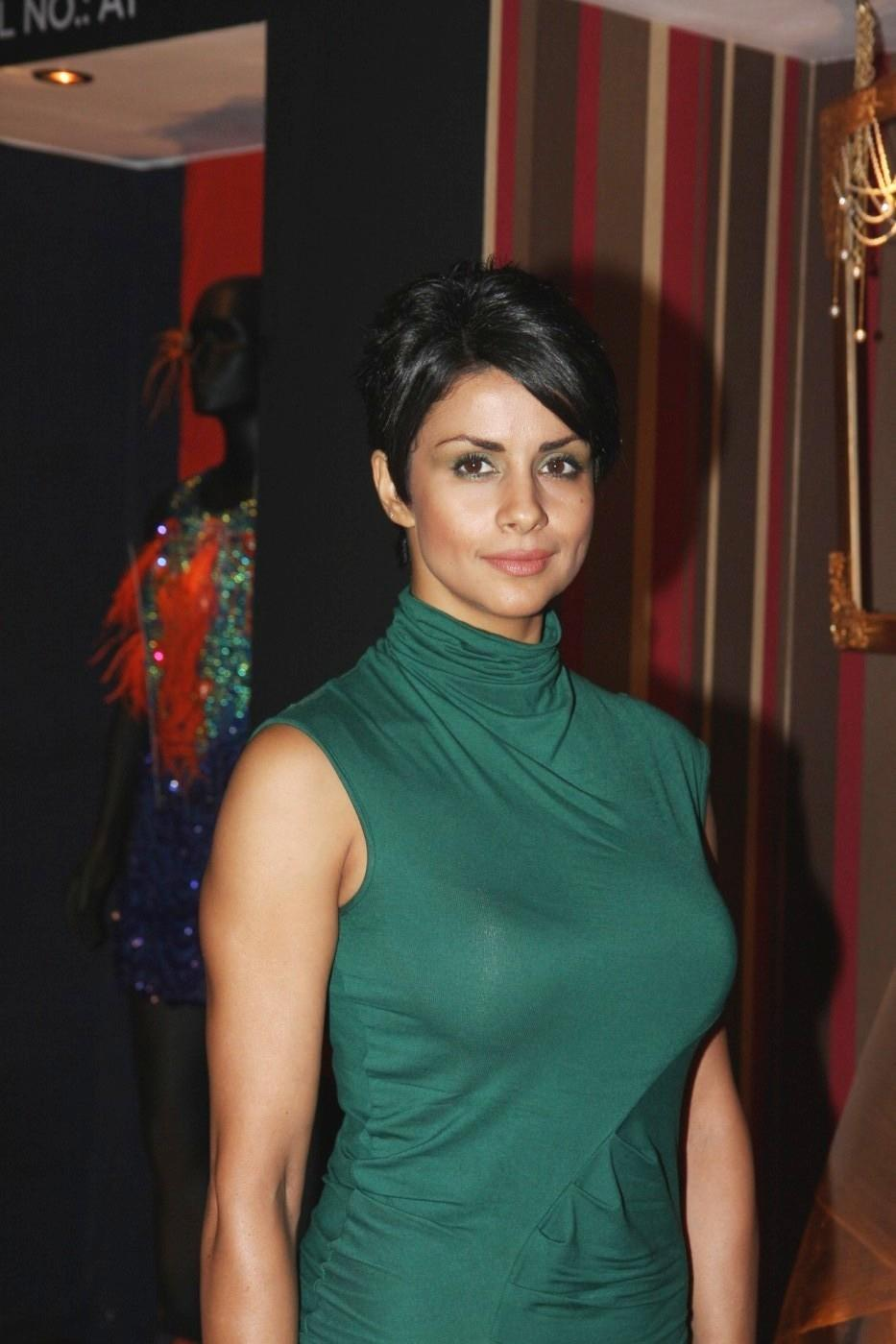Gul Panag at Anita Dongre's Fashion at Lfw 2012