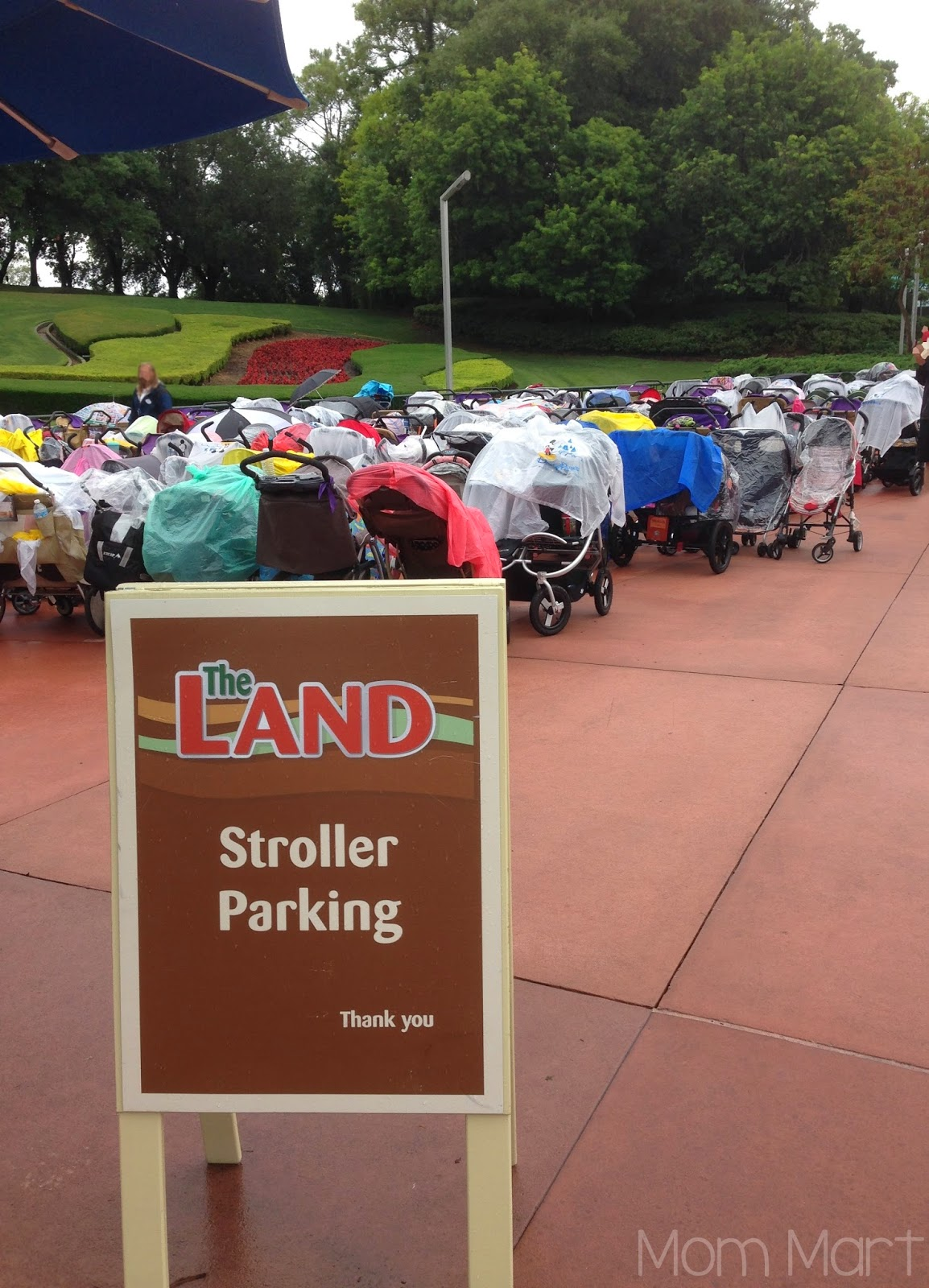 Strollers at Disney World #Disney #Strollers #TipsAndTricks #StrollerParking