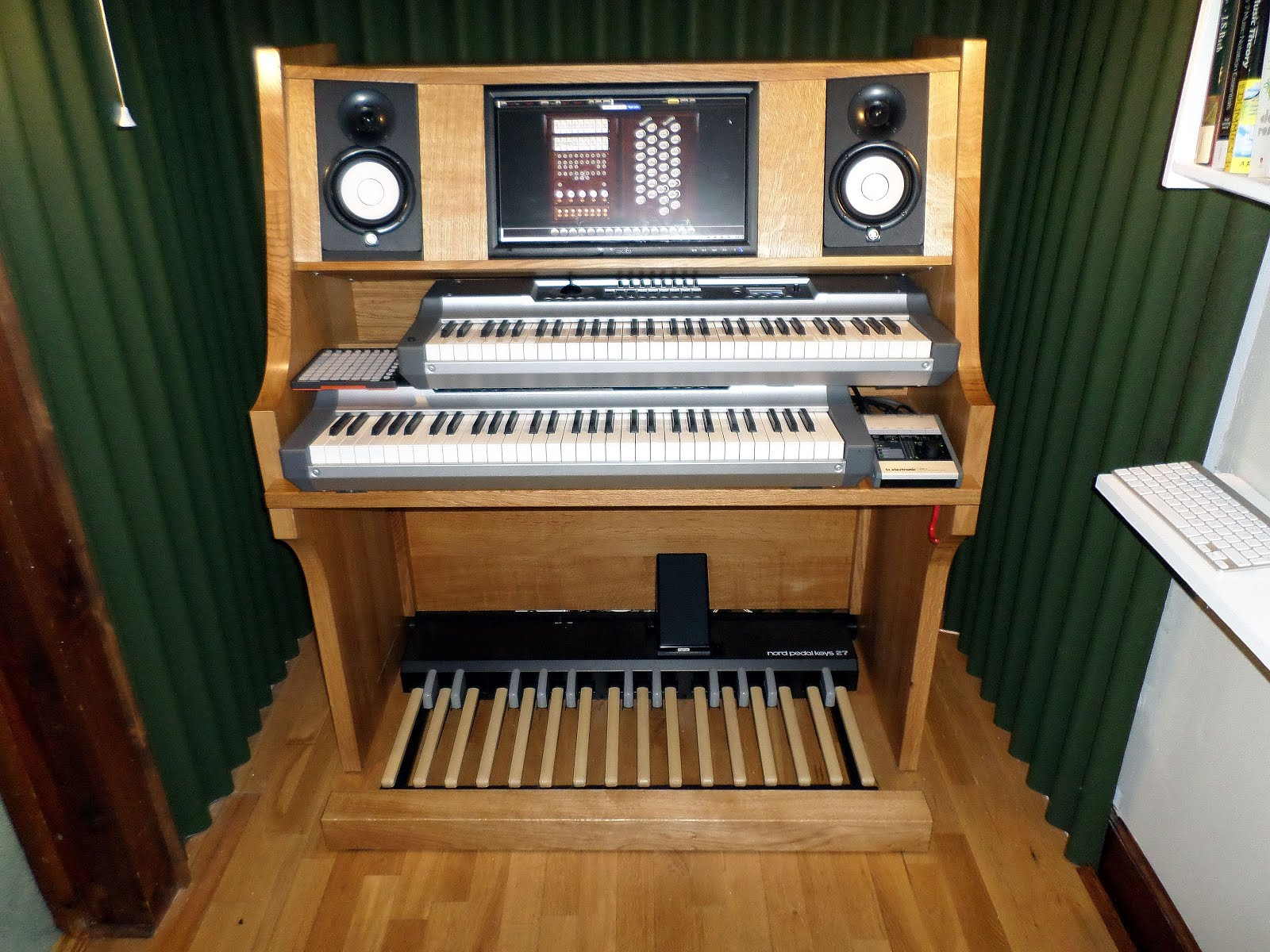 solid oak organ console