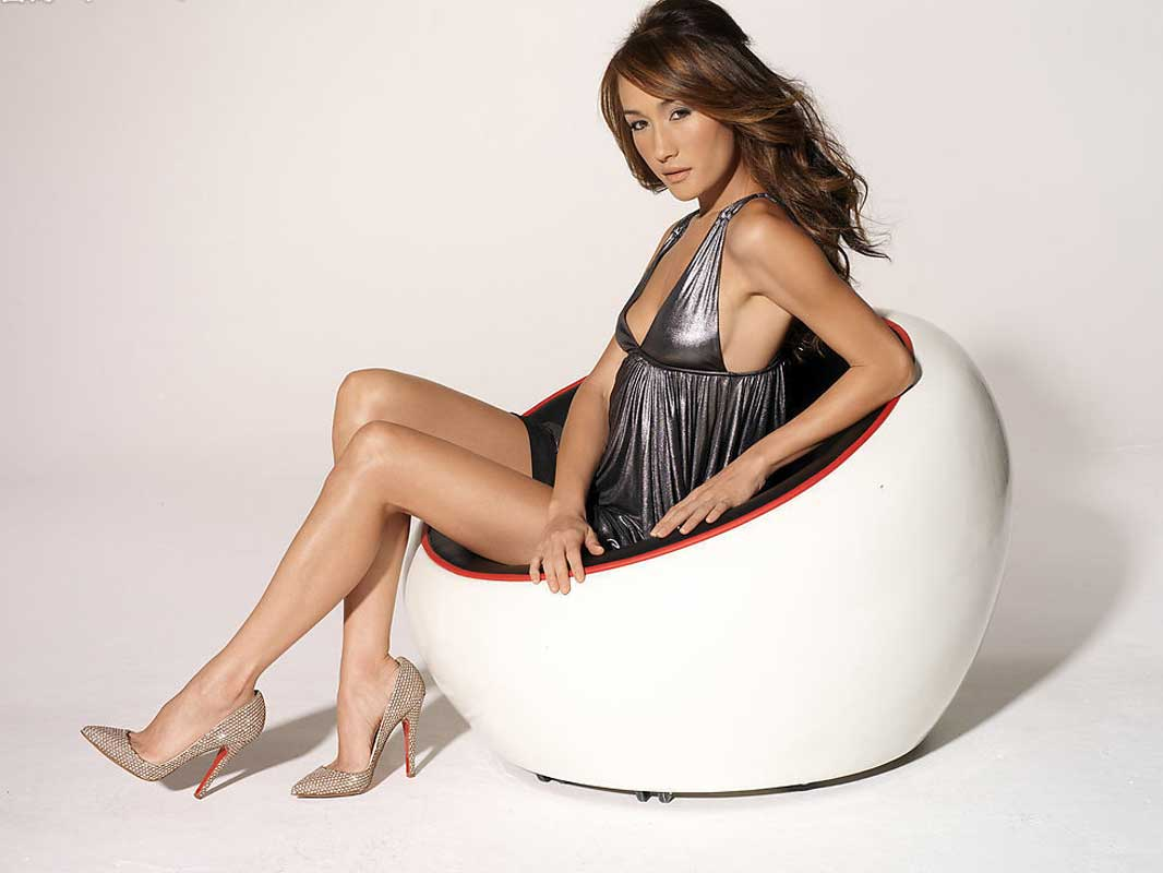 Maggie Q - Wallpaper Hot