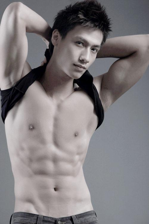 Hoang Gia Ngoc with body sexy