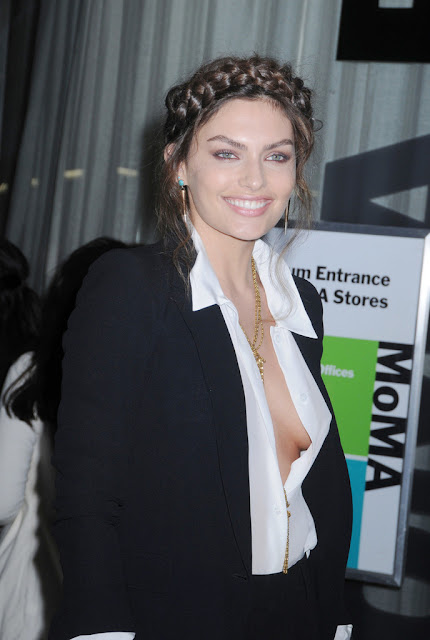 Alyssa Miller, Sideboob and Leggy in Short Skirt - Screening of  ' The Great Gatsby ' in NYC - May 5, 2013