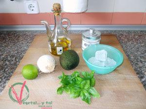 Ingredientes para el Dip de aguacate y albahaca.