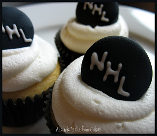 Amanda S Custom Cakes Nhl Hockey Puck Cupcakes