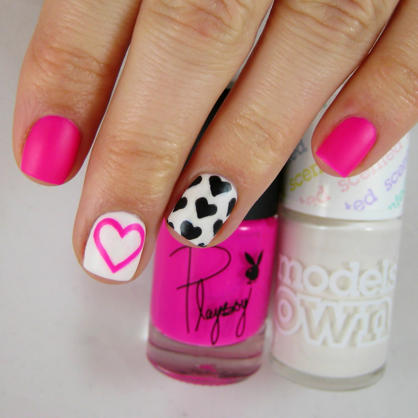 For The Little Black Hearts I Used A Barry M Nail Art Pen It's Not Thin  Tidbits&twinehowtomakeaperfectcirclestep