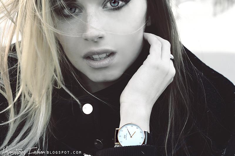 zegarek złoty pasek cyrkonie