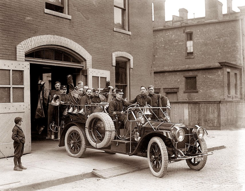 Old Picture of the Day: Fire Truck