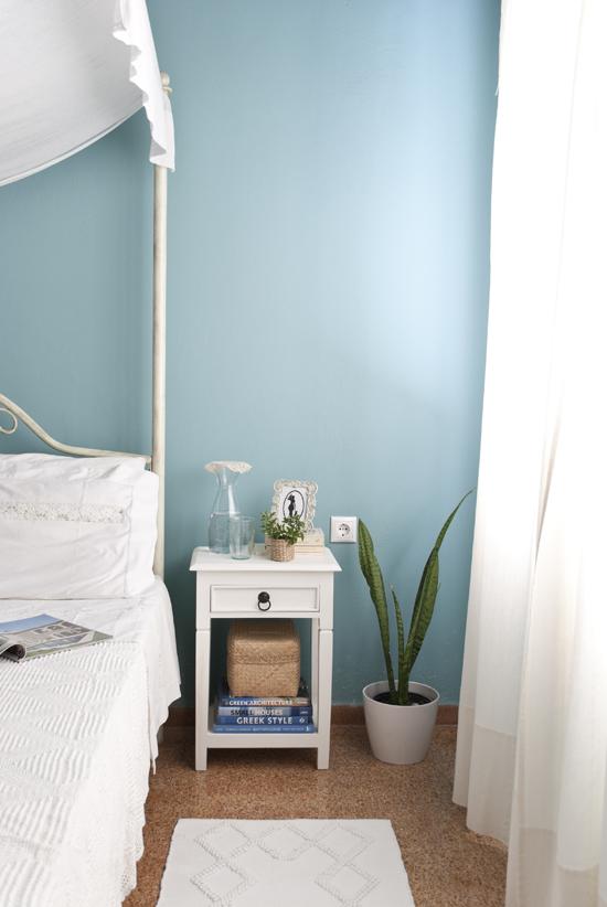 My country romantic turquoise and white bedroom ©Eleni Psyllaki