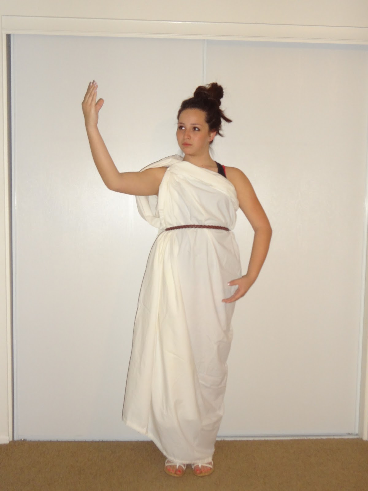 Make+A+Toga+For+Women here i am making a fool of myself i m dressed in ...