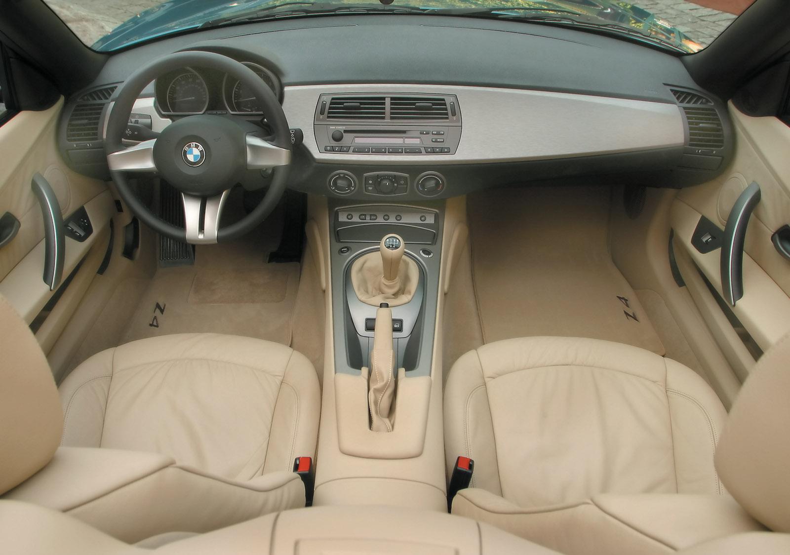 http://1.bp.blogspot.com/-ZS2lxnviu5Q/T0Wu5JLor5I/AAAAAAAAJQE/y22gnirUTj4/s1600/BMW-Z4-brown-interior-leather-wallpaper.jpg