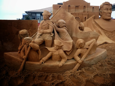 مجموعة مميزة من صور النحت علي الرمال للفنانة الهولندية Susanne Ruseler