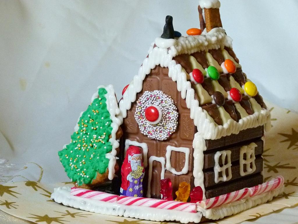 hexenhaus aus schokolade in der weihnachtsb ckerei. Black Bedroom Furniture Sets. Home Design Ideas