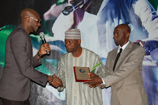 2face idibia peace awards