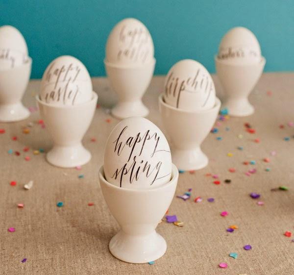 Come-decorare-le-uova-di-Pasqua-scritte-calligrafiche