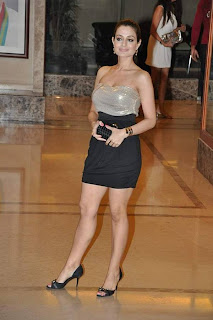 Amisha Patel at Actor Sanjay Dutt Wedding Anniversary