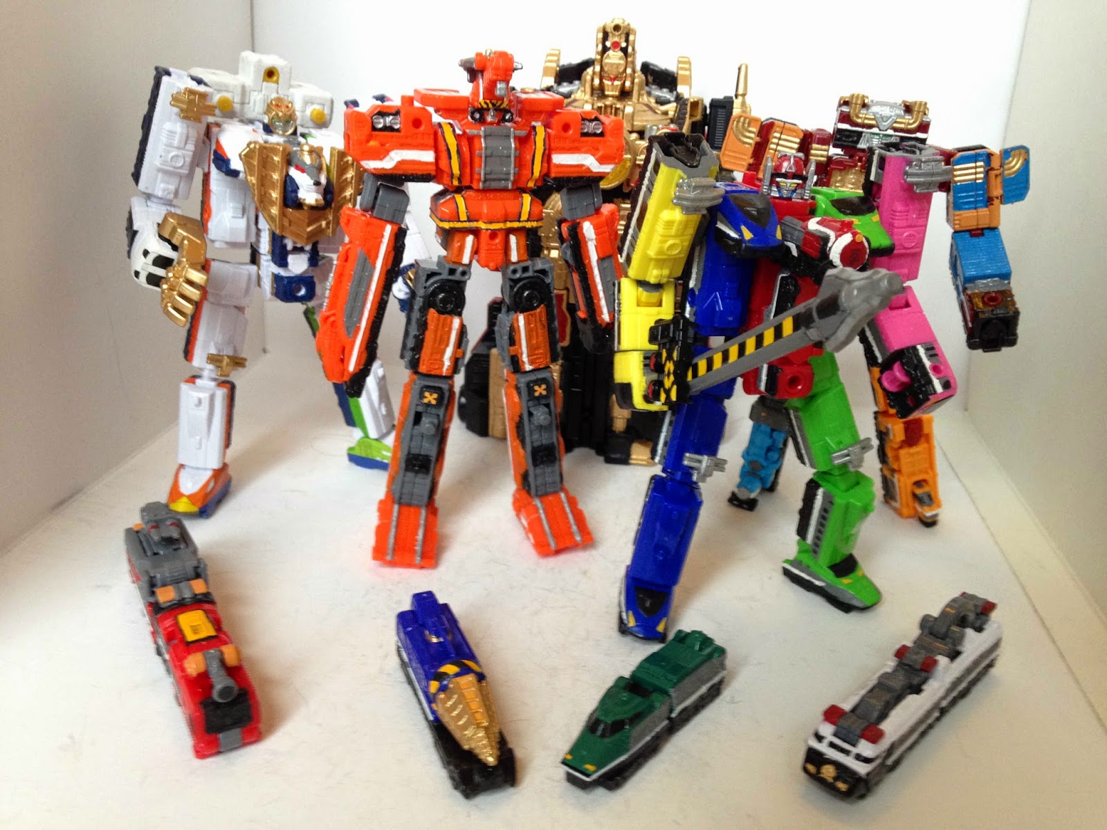 The ToQger minipla kits together