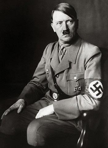 Hitler y sus similitudes históricas con Napoleón