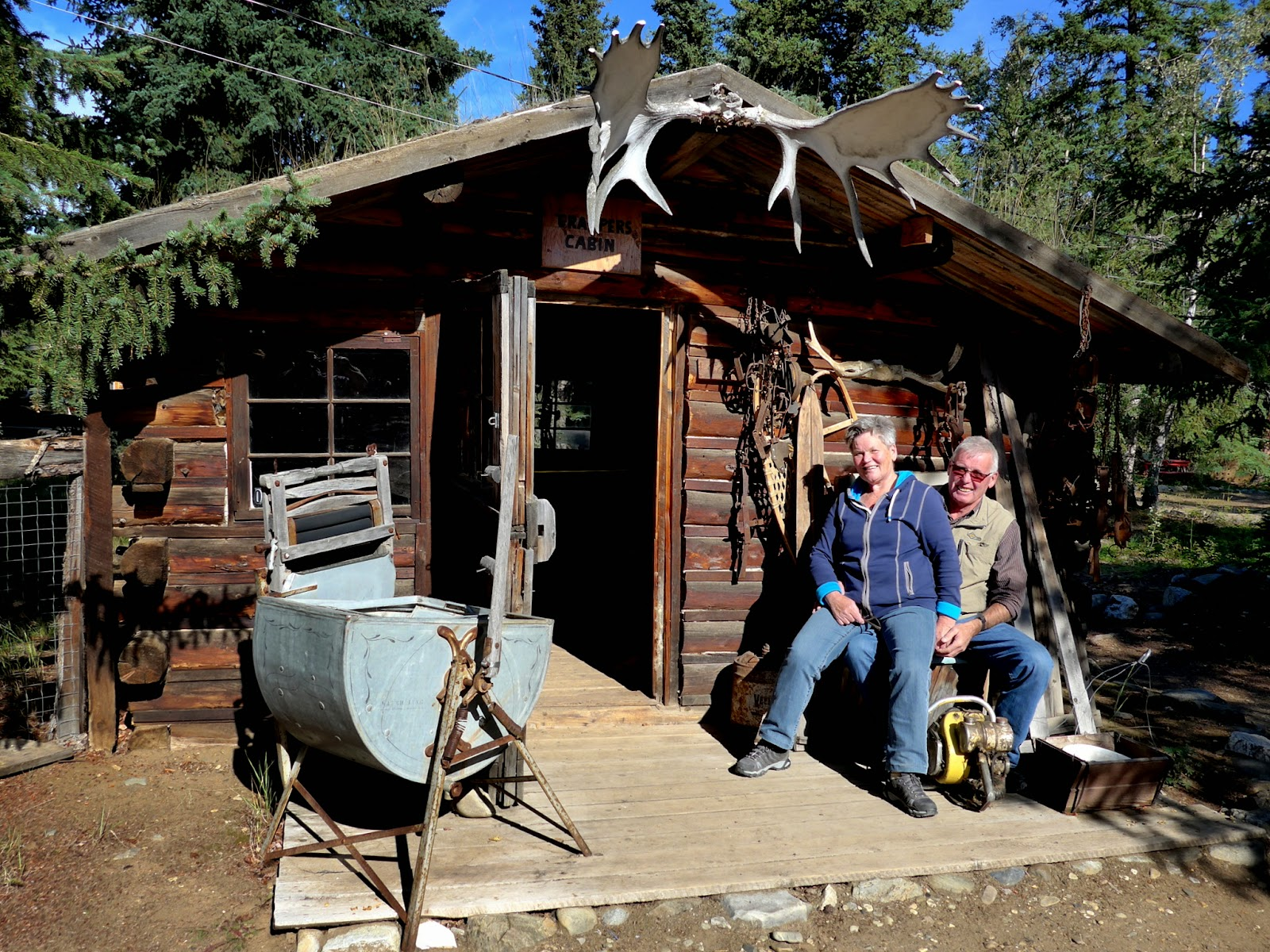 An old miner's cabin with Lisbeth and Hansuli