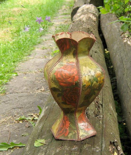 ваза из картона