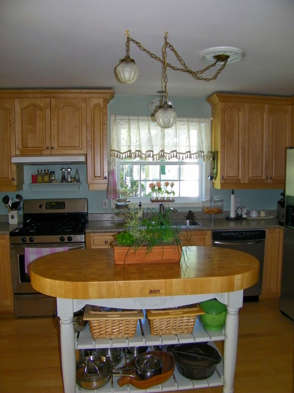 Kitchen Cabinets with Chalk Paint