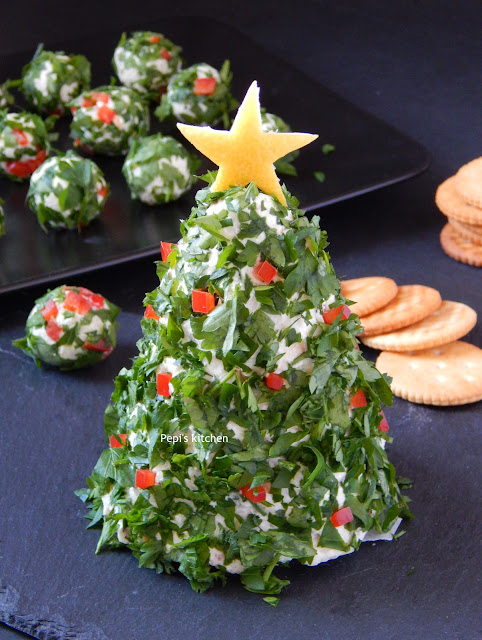 Χριστουγεννιάτικο Δέντρο από Τυρί