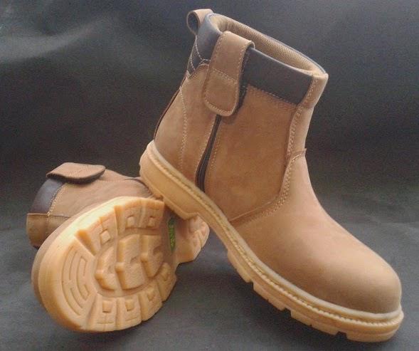 Sepatu Safety Boots Kulit