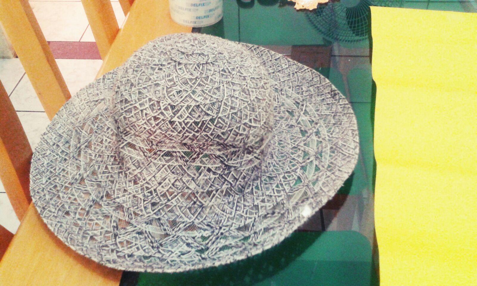 46d604b007280 Rosas da Escuridão   DIY Fazer chapéu de bruxa com chapéu de praia ...