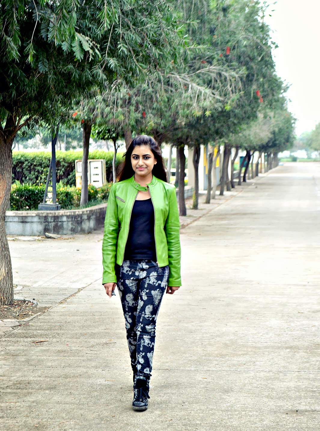 the style sorbet, kajol paul, zara, mango, leather jacket, prints, street style, fashion, style, blog