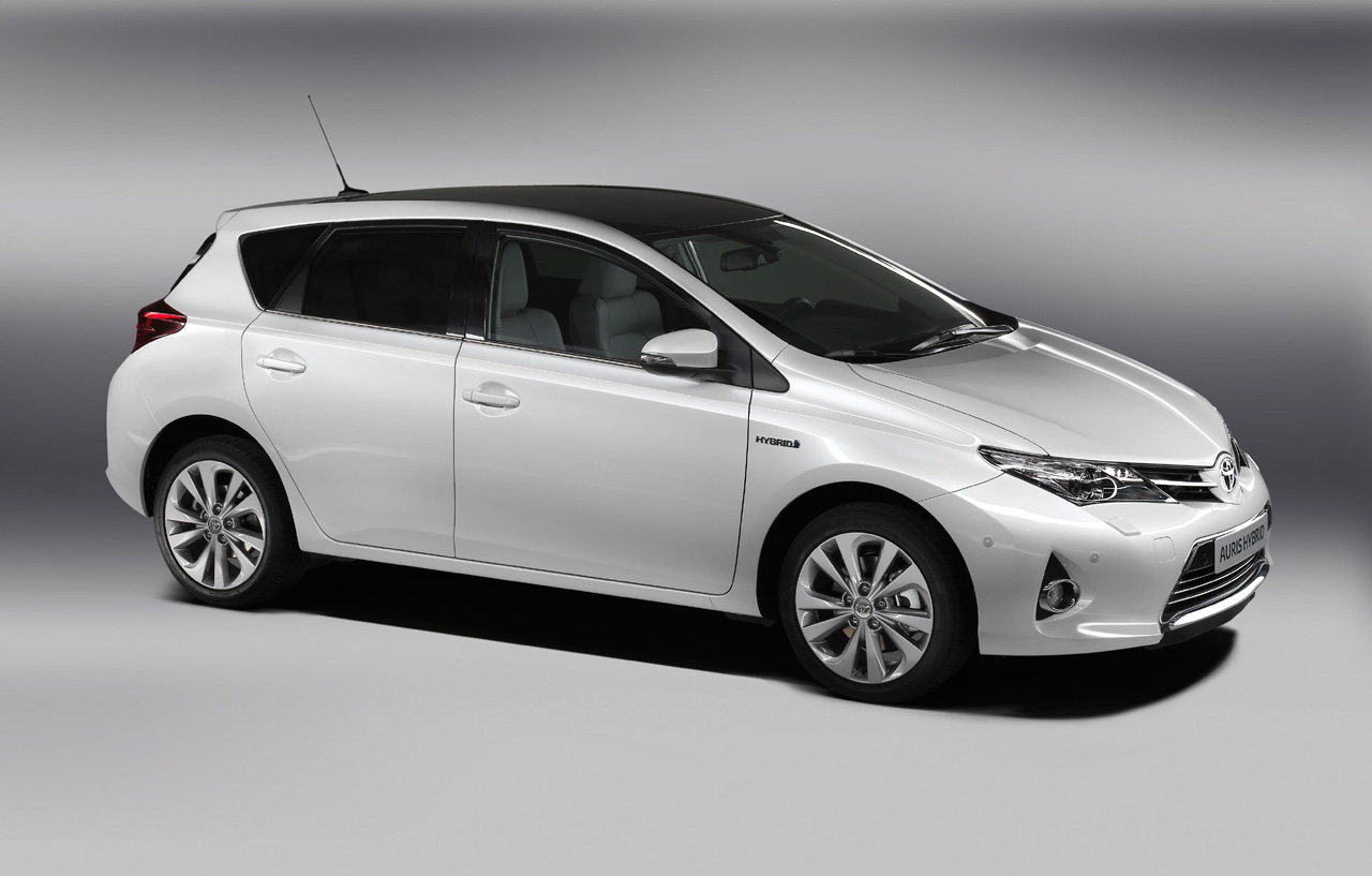 2014 toyota auris fast speedy cars. Black Bedroom Furniture Sets. Home Design Ideas