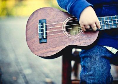Người bắt đầu học ukulele cần chú ý những vấn đề gì