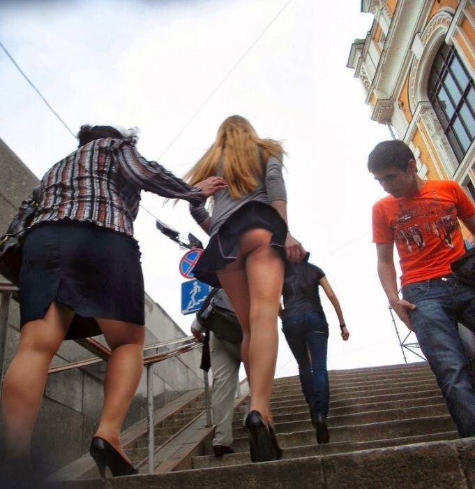 залез девушке под юбку в автобусе