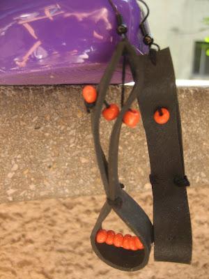 fülbevaló bicikli gumibelsőből narancssárga gyöngyökkel