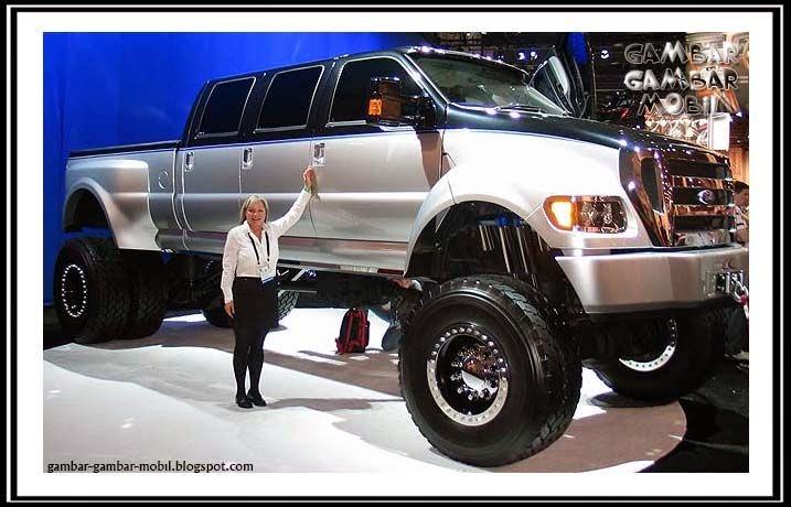 gambar mobil besar di dunia