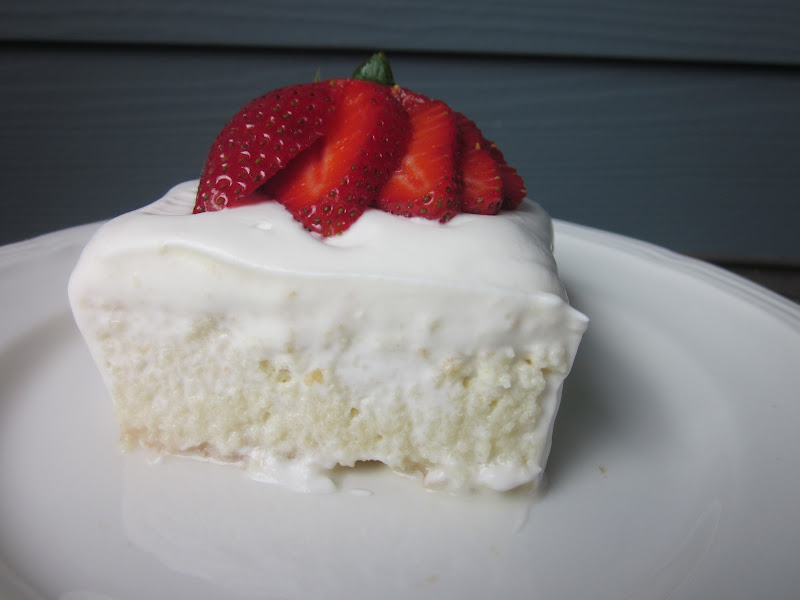 Girls in Aprons: Tres Leches Cake