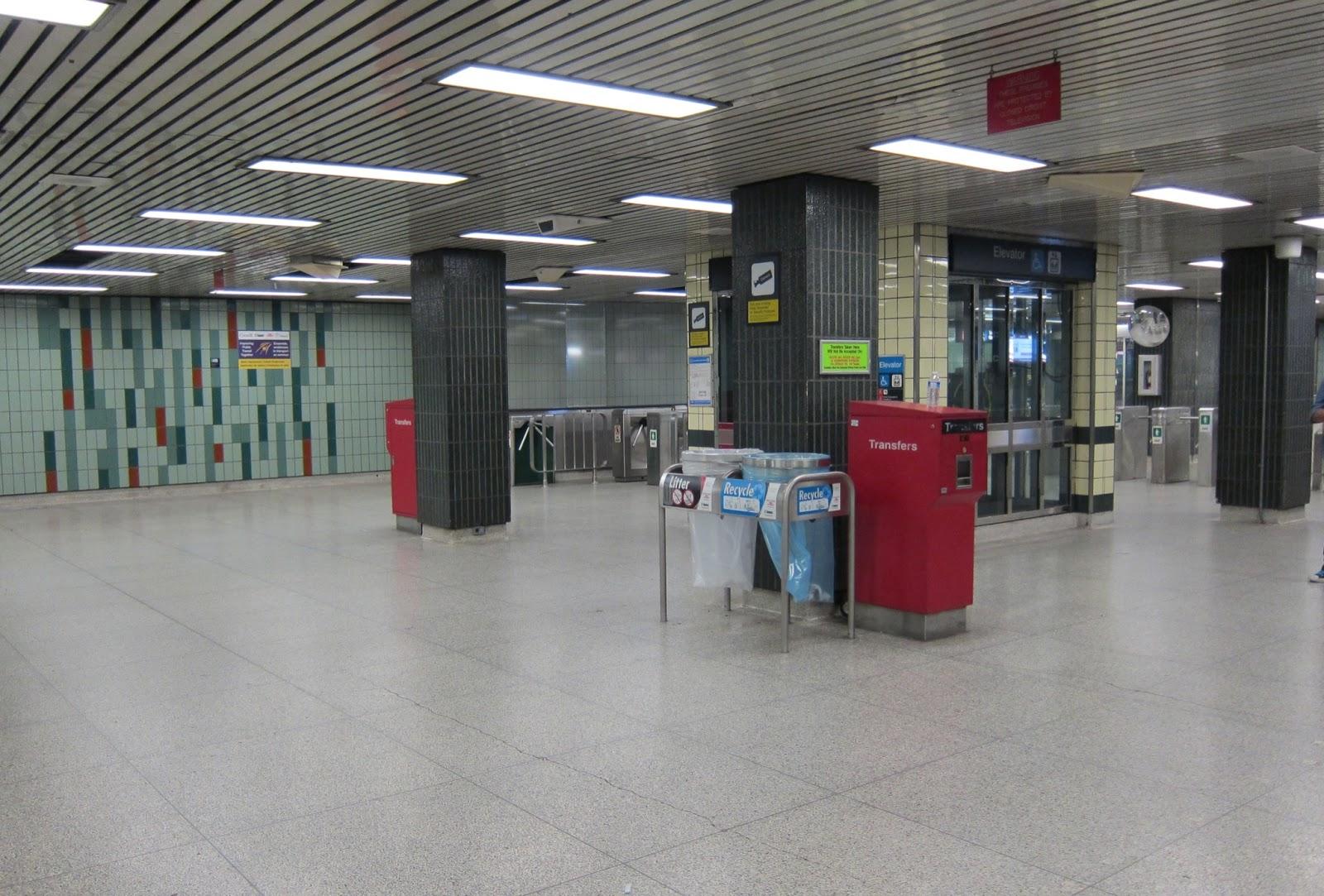 Osgoode station mezzanine