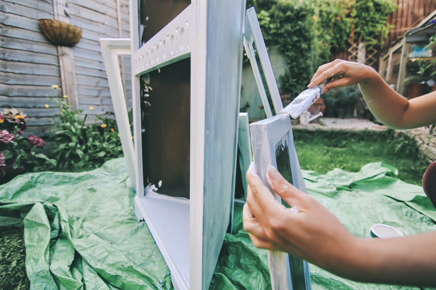 Priming furniture for painting