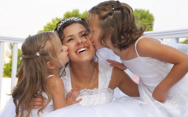 Mujer y sus ninas Vestido de Novia Blanco