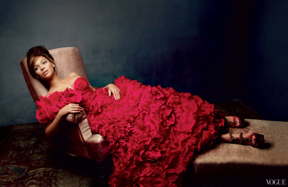 Oscar-de-la-Renta-Vogue-Archives-01