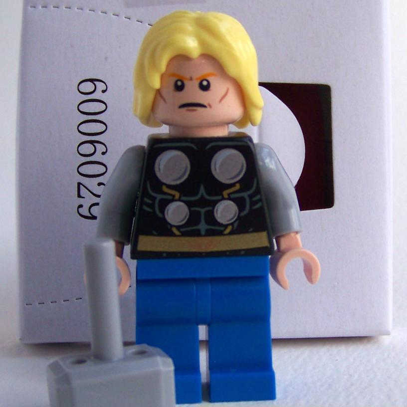 LEGO Avengers Thor 76018 Hulk Smash Lab