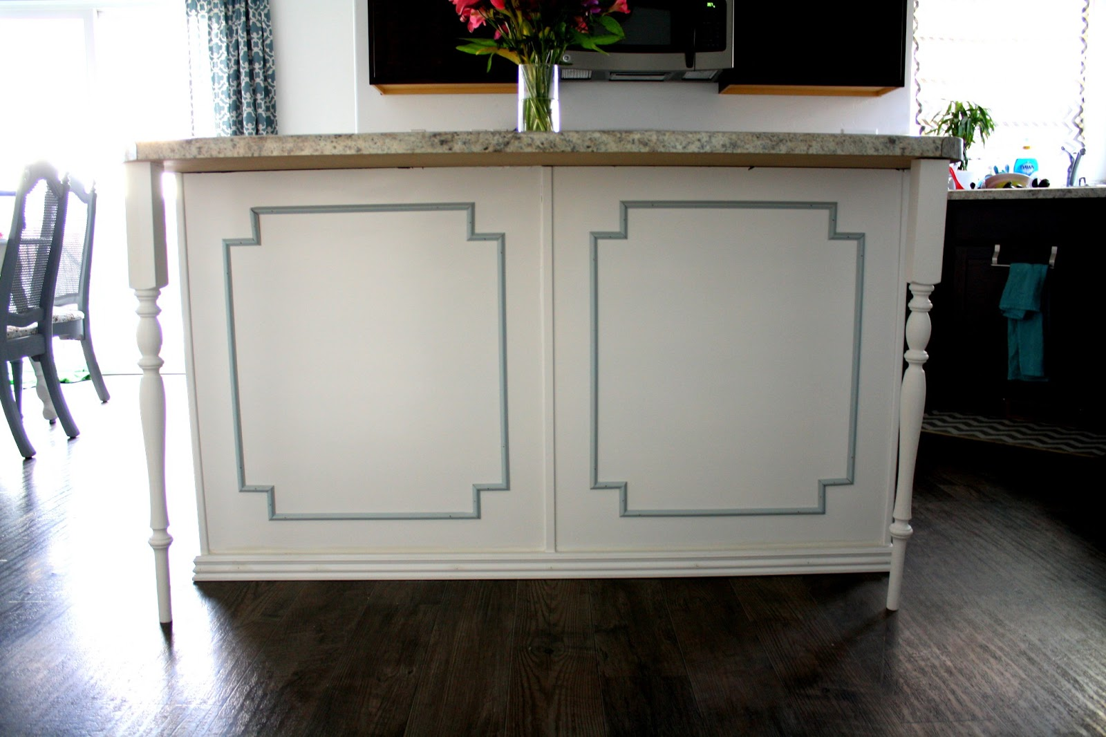 wainscoting kitchen island www galleryhip com the similiar wainscoting kitchen island keywords
