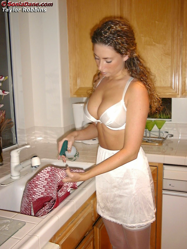 maid diane's sissy blog: silky half slip views